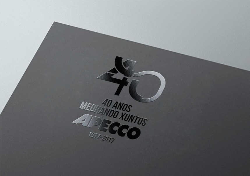 apecco-logo-40anos-barniz-uvi
